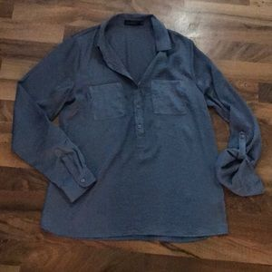 The limited roll tab Slv button front Tunic